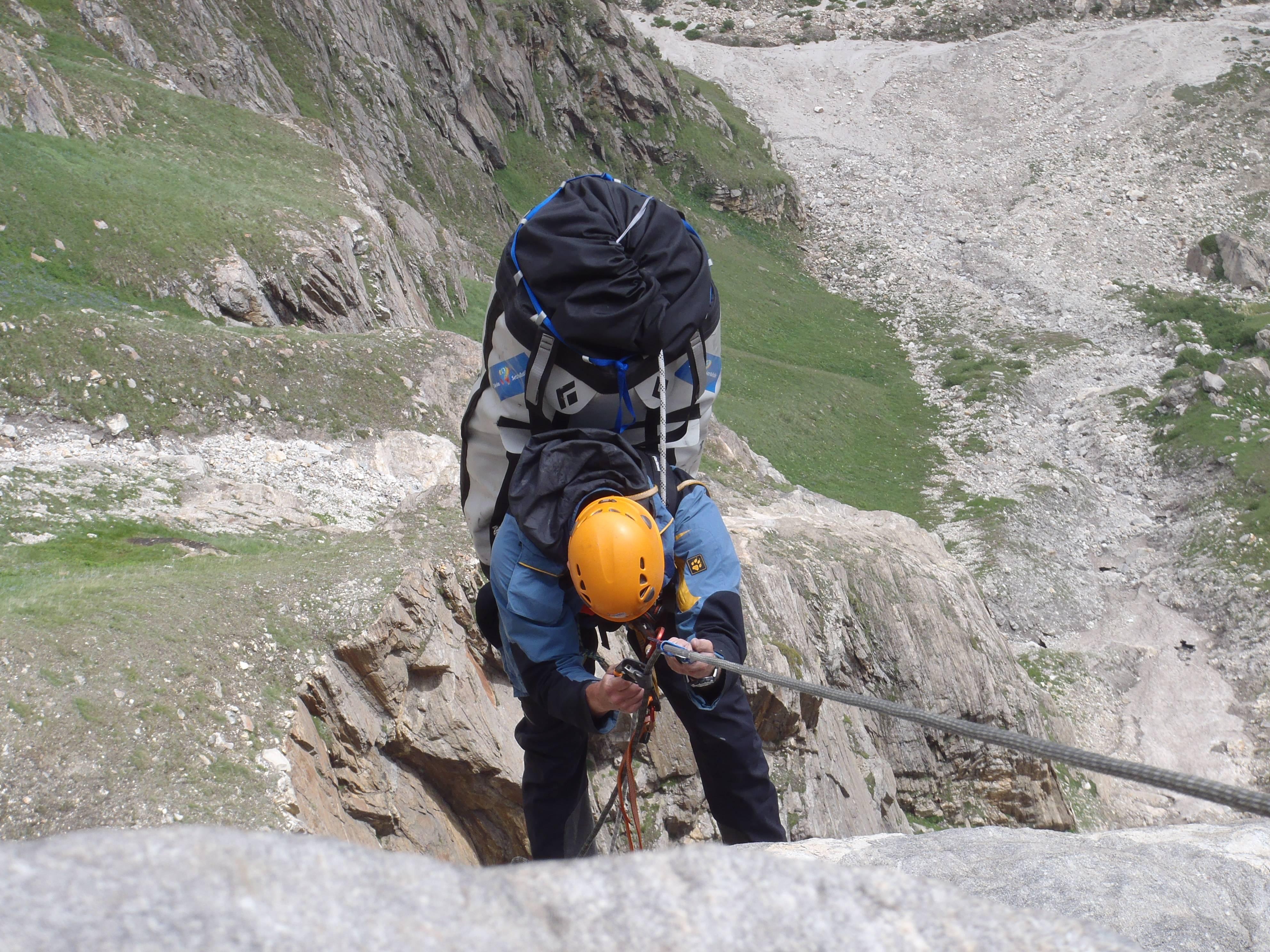 Kletterausrüstung Handgepäck : Bigwallklettern im karakorum